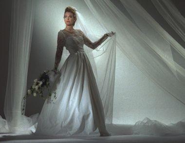 Куда деть венчальное платье после развода в церкви