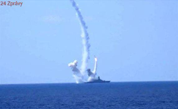 Ruské námořnictvo zaútočilo na Islámský stát střelami ze Středomoří