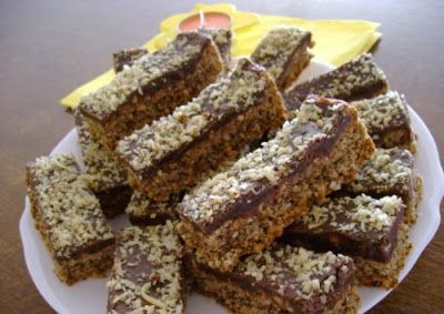 Receptek, és hasznos cikkek oldala: Bódító csokis diós sütemény! Villámgyorsan összedo...