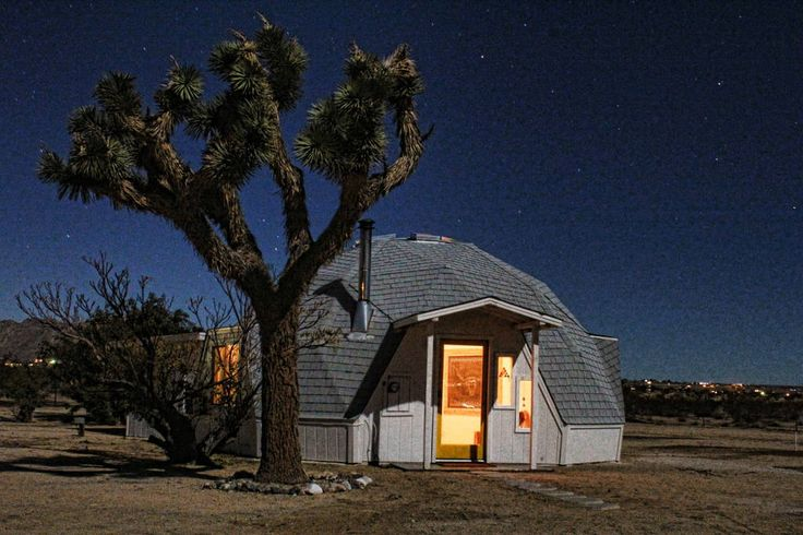 Dome in the Desert in Joshua Tree - Houses for Rent in Joshua Tree - Get $25 credit with Airbnb if you sign up with this link http://www.airbnb.com/c/groberts22