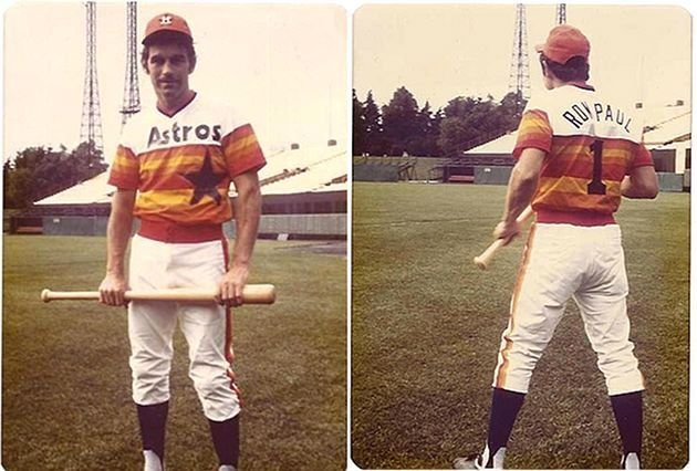 Yes, that's Ron Paul in a 1976 Astros uniform.