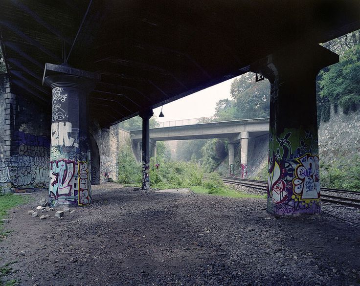 Pierre Folk Documents Decline of Abandoned Railroad in Paris (10 photos)