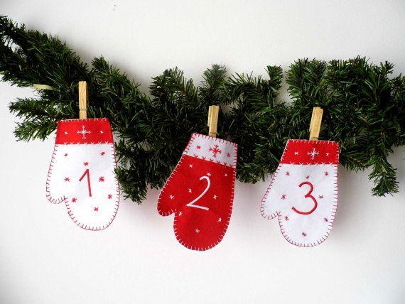 #advent_calendar #mantle_advent_calendar #christmas #mitten_calendar #felt_advent