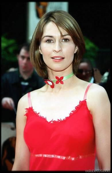 Helen Baxendale (June 7, 1970) British actress, o.a. known from 'Friends' and 'Cold feet'.