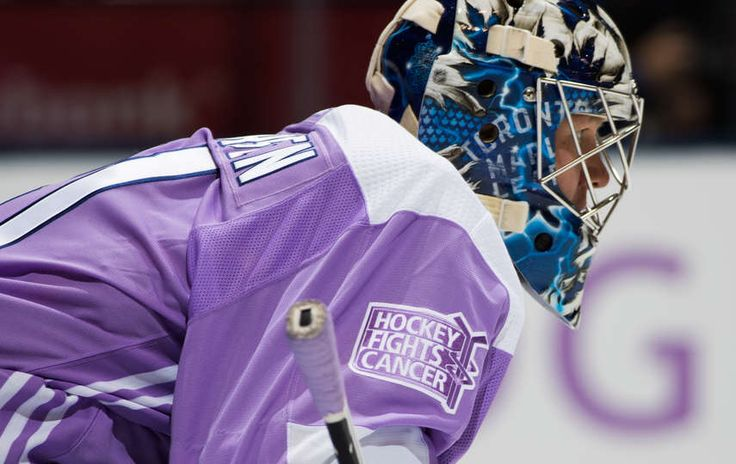 Leafs Mobile: TORONTO, ON - NOVEMBER 25: Frederik Andersen #31 of the Toronto Maple Leafs wears a lavender jersey with the Hockey Fights Cancer before facing the Washington Capitals at the Air Canada Centre on November 25, 2017 in Toronto, Ontario, Canada. (Photo by Mark Blinch/NHLI via Getty Images)