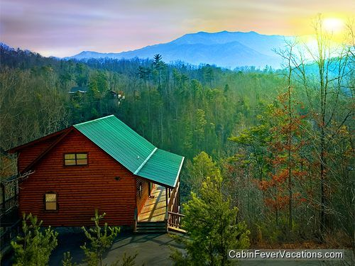 1000 images about 4 bedroom gatlinburg pigeon forge smoky for Cabins for rent in gatlinburg and pigeon forge