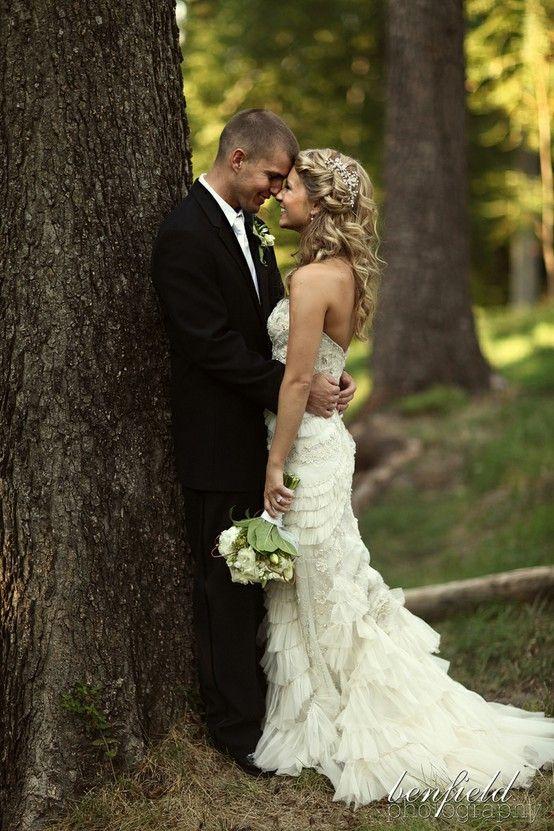 love this hair; love this dress too!: Wedding Dressses, Wedding Hair, Photo Ideas, Bridal Hairstyles, Wedding Photo, Bride, Wedding Pictures, The Dresses, Cute Pictures