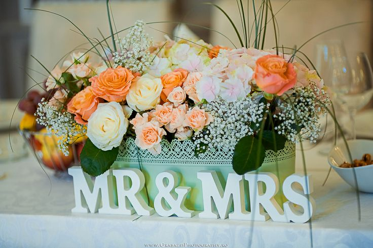 MRS & MR Wedding Decorations @ Palatul Mogosoaia by www.GrabazeiPhotography.ro