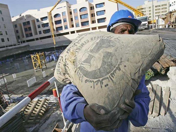 أسعار الأسمنت ترتفع وتوقعات بوصول الطن إلى 1000 جنيه كتبت منار الرخ ارتفعت أسعار الأسمنت في الأسواق اليوم الأحد بعدما رفعت بعض شركات Hats Hard Hat Egypt