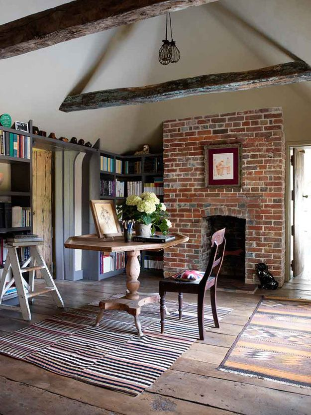 How about this for a summer country getaway? The original and reclaimed features in this home a...