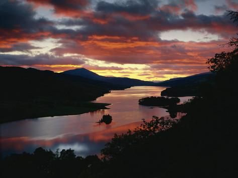 Queen's View at Sunset, Loch Tummel, Perthshire, Scotland, United Kingdom, Europe Fotografie-Druck von Edwardes Guy bei AllPosters.de
