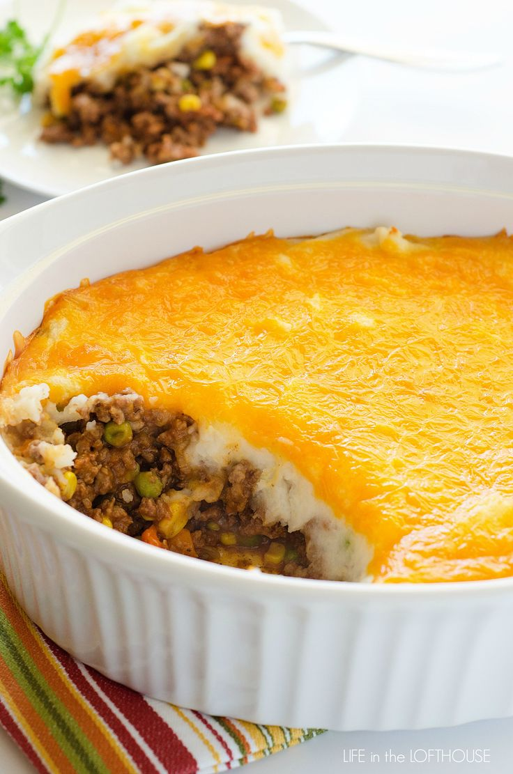 Shepherd's pie, made with ground beef from Life in the Lofthouse: yummy comfort food casserole!