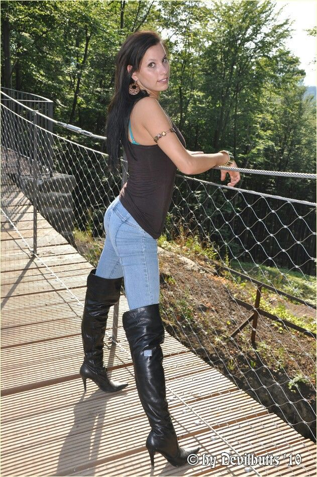 long lether tight boots act
