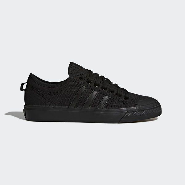 £40 Nizza Low Shoes Core Black BZ0495