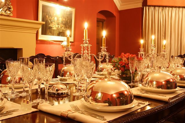 Twinkling table with stunning crystal and silverware