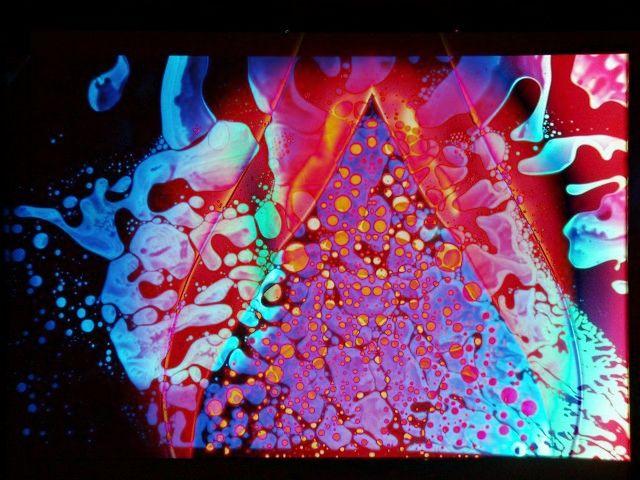 Google Image Result for http://www.lightshow.cc/explorer/Images/Liquids/Liquids_1/L05.jpg