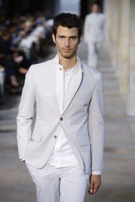 Martin Arrarte Hermes 2013 ~ love the light suit!