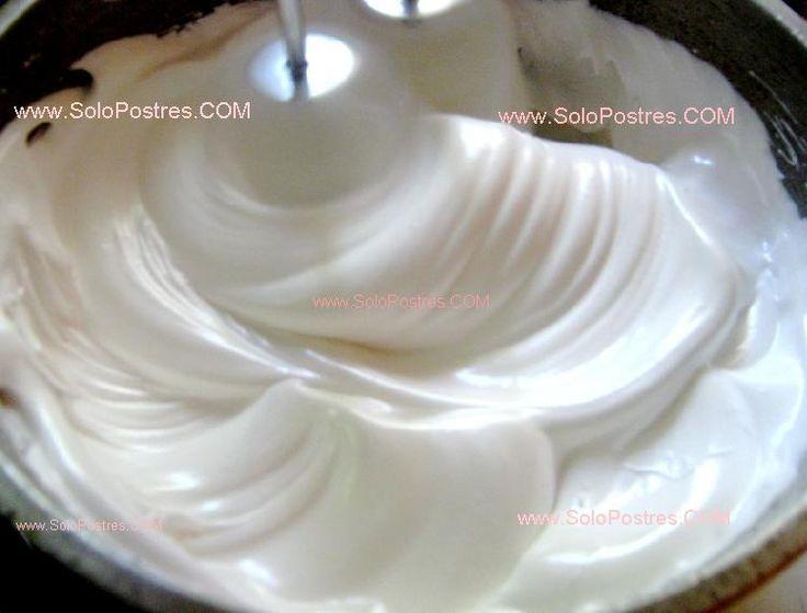 Merengue clásico para decorar tortas