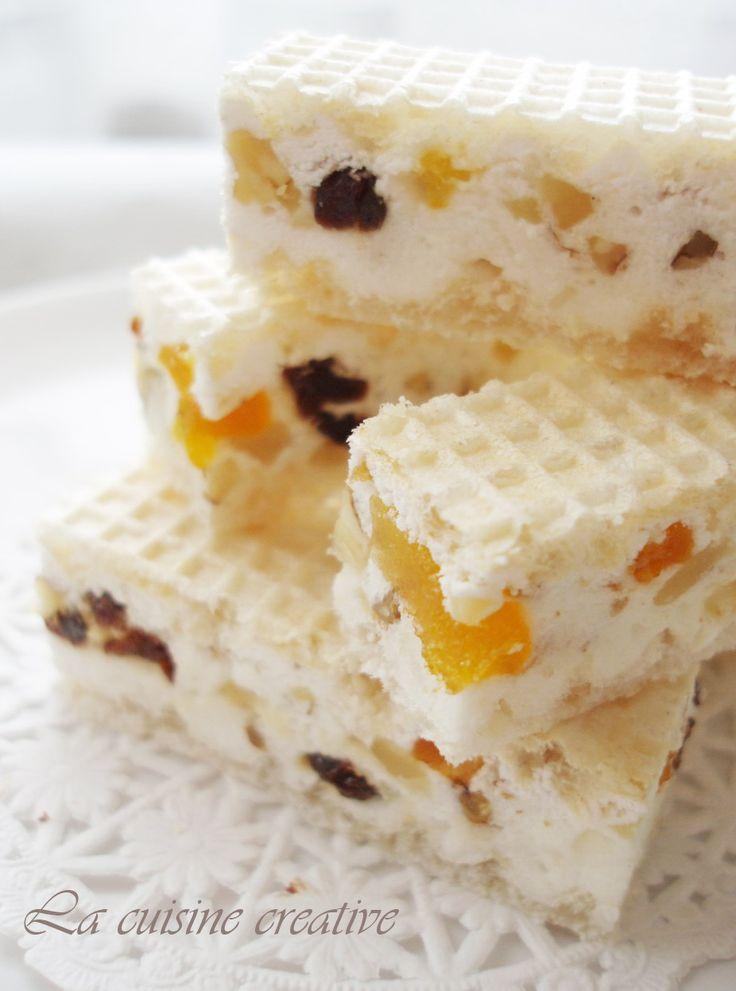 Evo jedne zgodne ideje za brzi slatkis za koji vam nece trebati puno vremena, a vrlo je dekorativan, nesto poput Marshamallow kockica samo ...