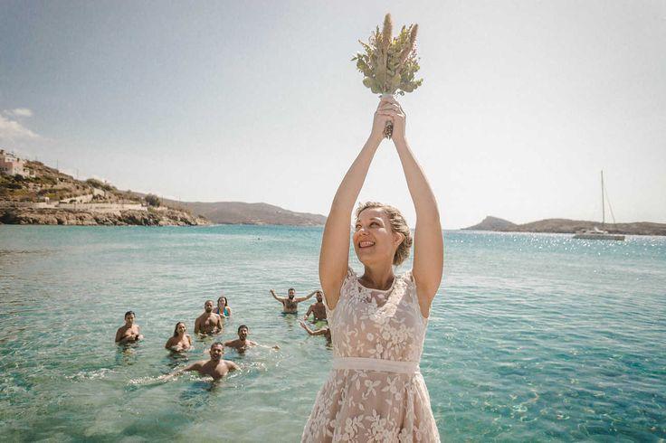 madame shoushou, wedding dress, syros wedding, dentelle, chic, ono concept, bridal bouquet, bridesmaid, in the sea, beach wedding, syros, la fete