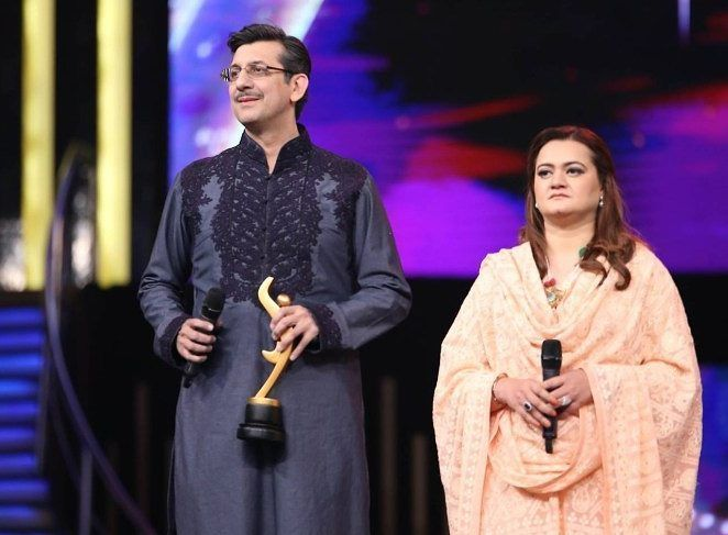 Information Minister Marriyum Aurangzeb promises tax exemptions for the film industry at Hum Awards #humawards #humawards2017  #lollywoodreport #pakistanis #pakistanistyle #pakiatanicelebrities