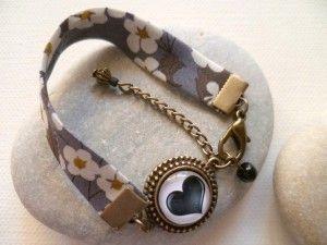 """Bracelet """"Cardamine""""."""