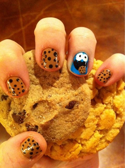 Cookie Monster Nails. Cute :)