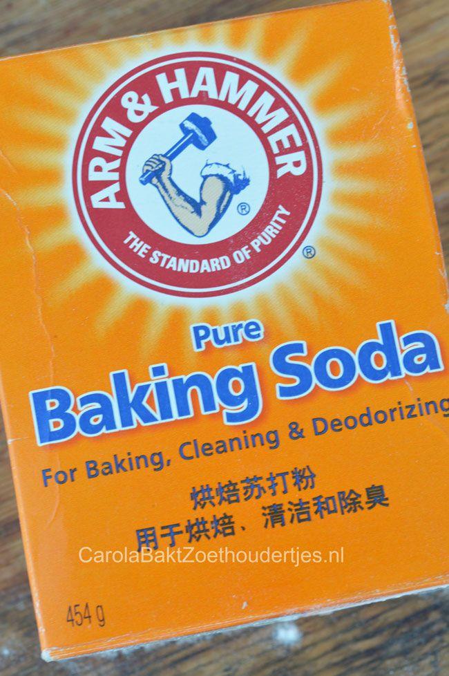 Alles over baksoda of baking soda. Wat is het, waar kun je het kopen en wat kun je er mee doen behalve bakken?   Wist je dat het luieruitslag helpt voorkomen, dat het je vlees malser maakt en dat het een geweldig schoonmaakmiddel is? Dit en meer bij de bron. Alles over baking soda oftewel baksoda - Carola Bakt Zoethoudertjes