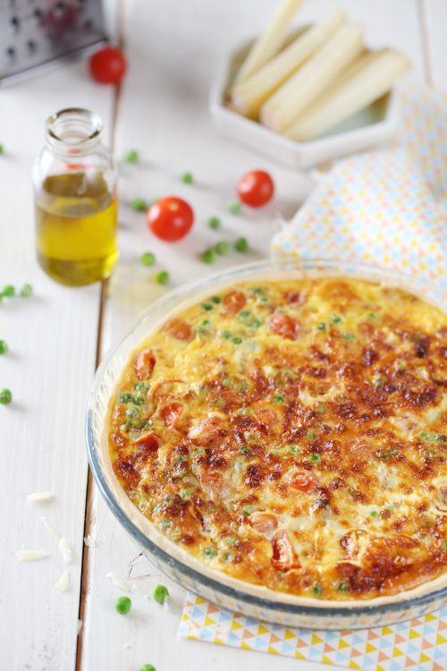 Je vous propose une quiche végétarienne aux petits pois, poivrons et tomates cerises. Pour que ce soit un peu plus light, j'ai mis de la crème liquide allé