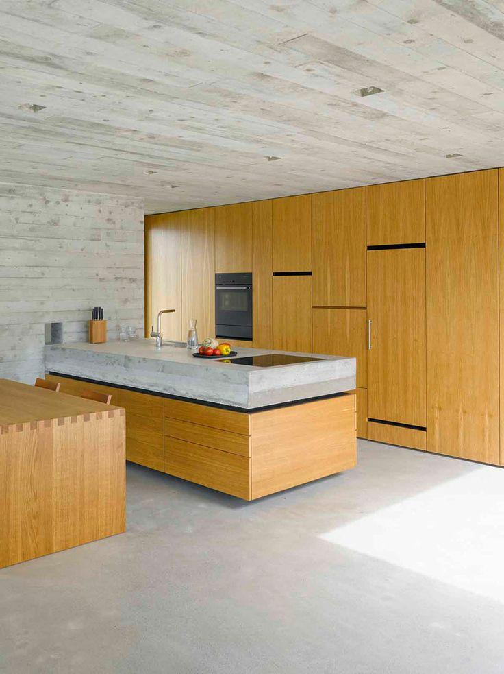 Kitchen: concrete house in S.Abbondio