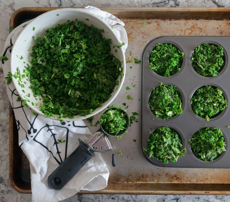 {How to freeze spinach and kale for use in smoothies
