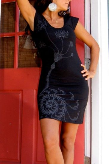 Leom Designs - lotus serpent tunic in black, $60.00 - yoga - dance - silk screen - snake print - spirals (http://www.leomdesigns.com/lotus-serpent-tunic/)