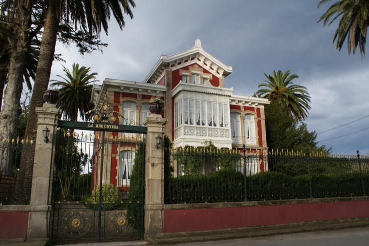 Palacio Indiano de 1899  Villa la Argentina  en Luarca Asturias, norte de España