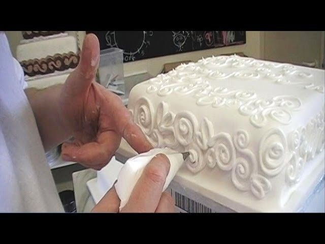 CAKE DECORATING ROYAL ICING PIPING TECHNIQUES HOW TO PIPE A BORDER FOR BEGINNERS