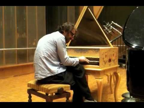 Chilly Gonzales - Hotel California @ Le Mouv' - YouTube