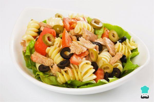 Receta de Ensalada de pasta fría con atún #RecetasGratis #Ensaladas #RecetasdeCocina #RecetasFáciles #ComidaSana #EnsaladadePasta #Atún
