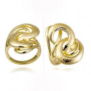 W naszym sklepie znajdziecie także eleganckie pierścionki: http://sklepmarcodiamanti.pl/