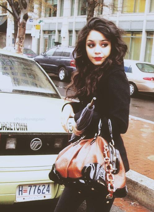 dark hair, fair skin, red lip ❤