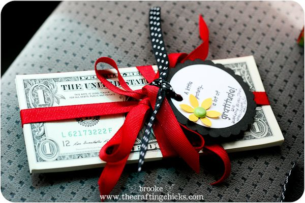 I love giving teachers treats and other goodies, but sometimes it's nice to give them some money to spend wherever they want! I know a lot of teachers buy supplies for their classroom out of their own pocket, so this might be a big help. This would be a great gift to do as a group of parents or even as an entire class.: Teacher Gifts, Appreciation Ideas, Ideas Teachers, Gift Ideas, Teacher Appreciation Gifts, Gifts Teachers, Money Gift