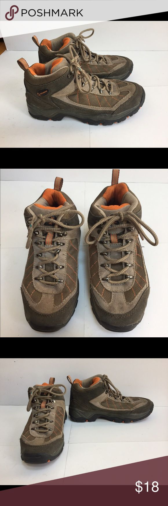 Nevados ladies hiking boots These are in excellent condition, they just may need the laces replaced as they are still usable but fraying (as shown in picture) hence the low asking price, otherwise it's hard to tell they have been used. Any questions please ask me!! Nevados Shoes Lace Up Boots