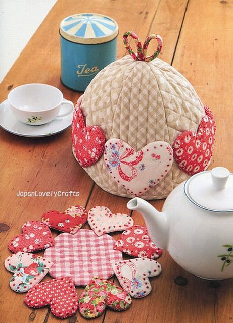 Love the cozy and the trivet! So adorable!