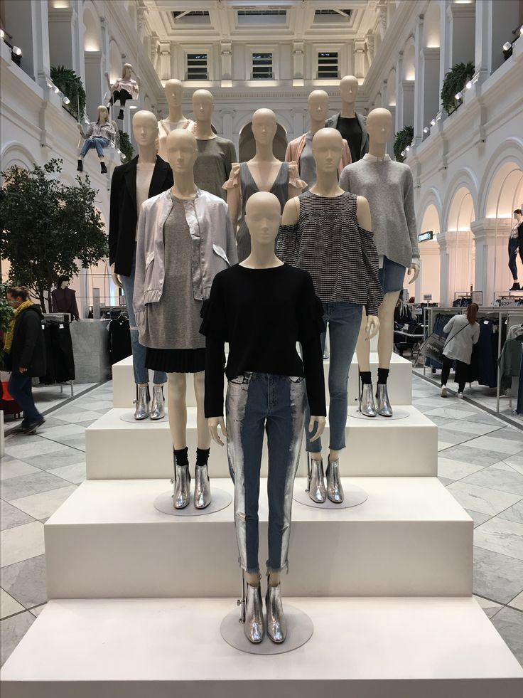 """H&M, HENNES & MAURITZ, Melbourne, Victoria, Australia, """" While we are waiting... Fashion is working"""", uploaded/photo by Ton van der Veer"""