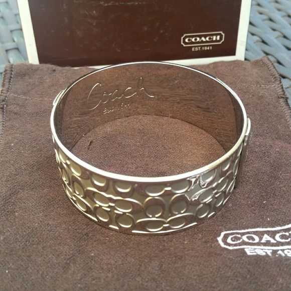 Coach bangle Silver. Like new. Coach Jewelry