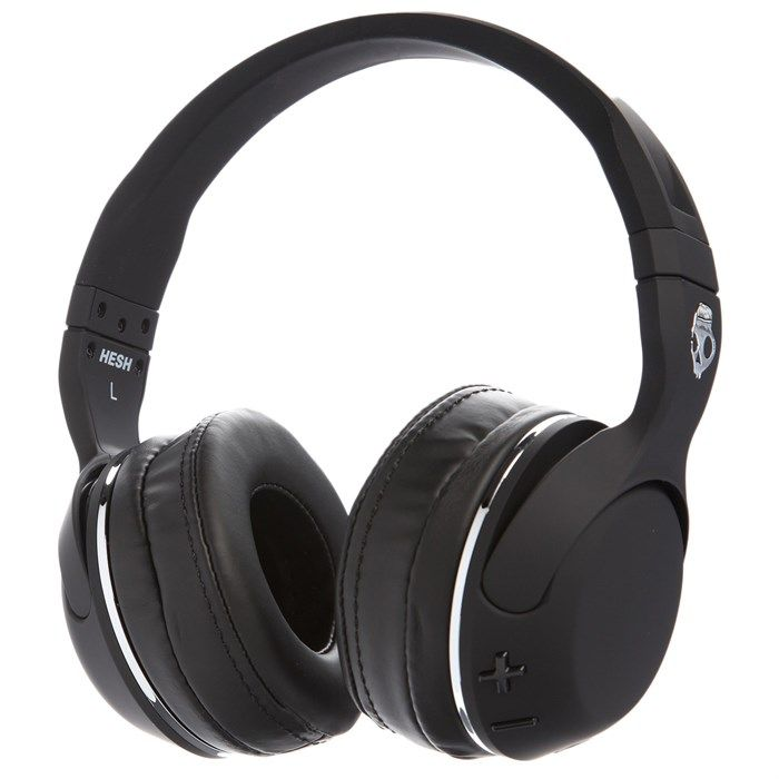 Designed with comfort and convenience in mind, these headphones feature a soft leather ear cushion which provides hours of easy listening, Plus, leave the messy wires at home thanks to this Bluetooth® enabled device. Immerse yourself in music with the Skullcandy Hesh 2 Wireless Headphones.