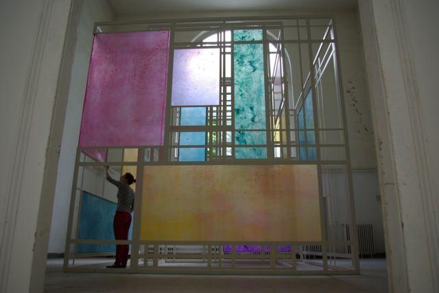 Alma Abonyi Pictures at an Exhibition, 2011 4 x 4 x 4.5 m, iron, resin, fiberglass