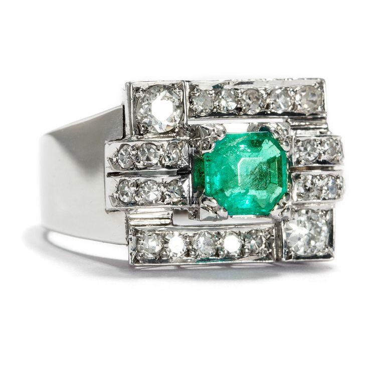 Exceptioneller Platin & Weißgold - Ring des Art Déco mit Smaragd und etwa 0,84 ct Diamanten, 1940er Jahre • Hofer Antikschmuck