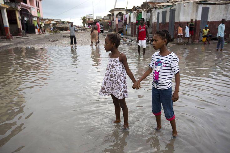 Αυξάνεται δραματικά ο αριθμός των νεκρών από τον τυφώνα Μάθιου – Συναγερμός στη Φλόριντα (Βίντεο και φωτό)