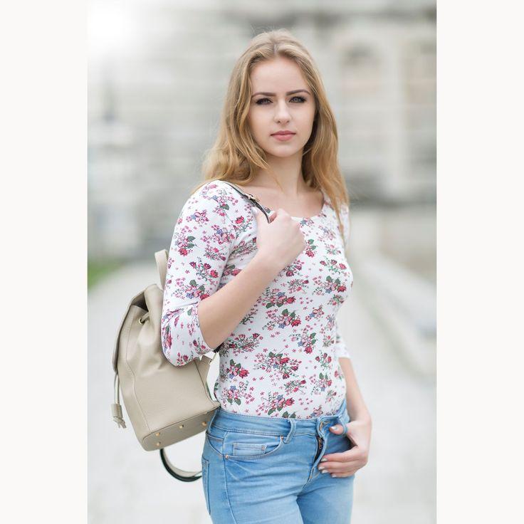 Luxusný kožený ruksak z pravej hovädzej kože č.8659 v bežovej farbe | Luxusné a módne šperky, doplnky, ozdoby, darčeky
