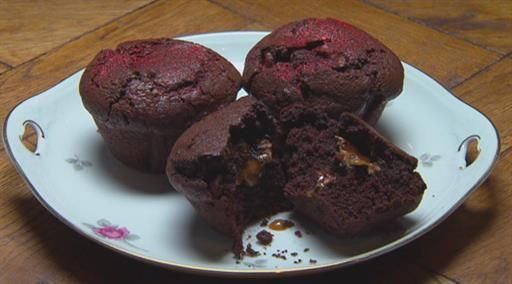 Chocolate muffins with salty caramel centre