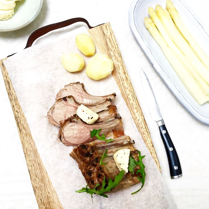 Deze kerntemperatuur geldt voor lamsrack uit de oven. Ook lekker en feestelijk eten voor pasen. Wanneer je lamsvlees gaat kopen let er dan op dat het ook…… recept madebyellen.com